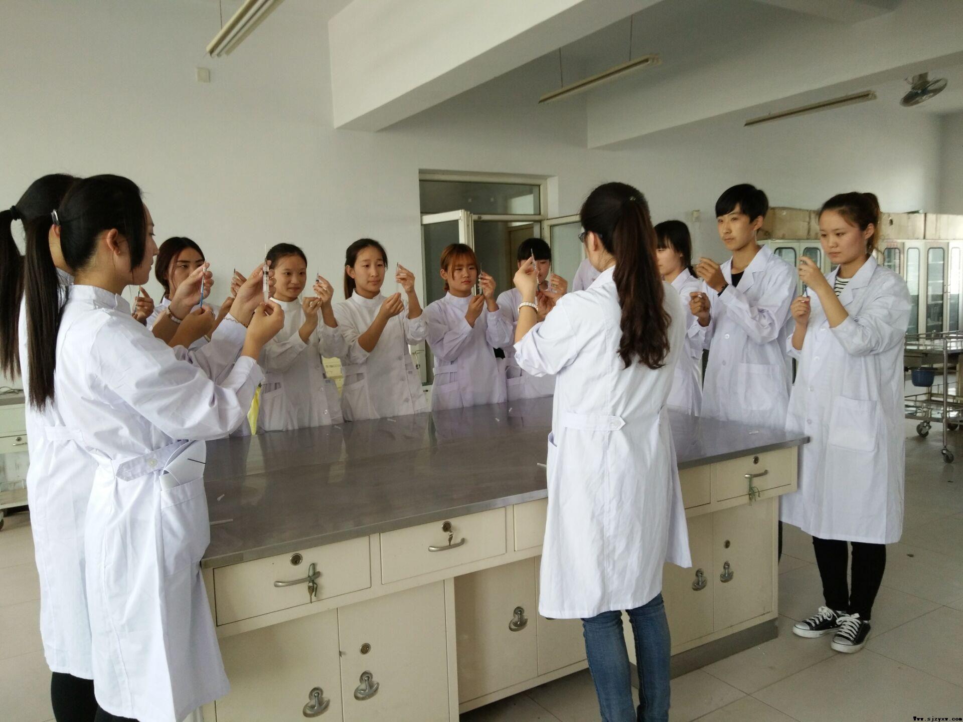 初中毕业生学护理有什么条件??--石家庄冀中医学院